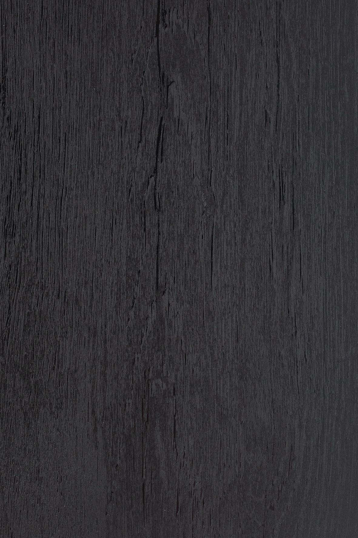 Melns ar koka struktūru (Piemaksa)